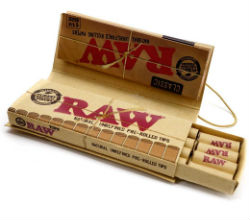 RAW Classic 1 1/4 Rolling Papers With Pre Rolled Tips