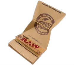 RAW Classic Artesano 1 1/4 Rolling Papers